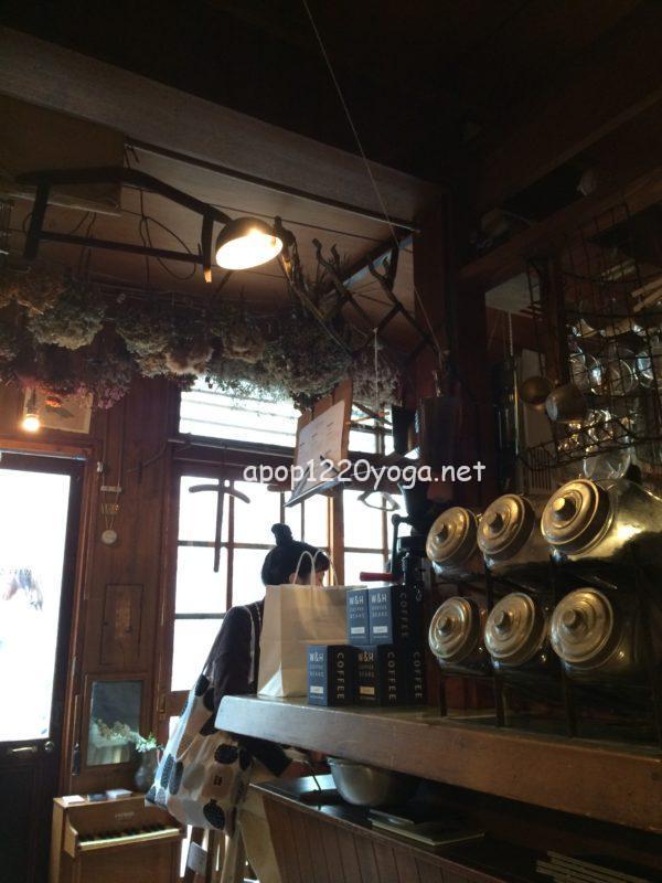 京都鴨川沿いカフェ